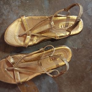Born gold leather sandals EUC